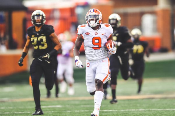 10-06-18-Clemson-vs.-Wake-Forest-In-Game-73